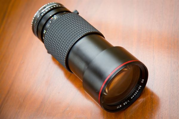 Tokina ATX 80-200 f/2.8 Fully manual Zoom Lens EF mount