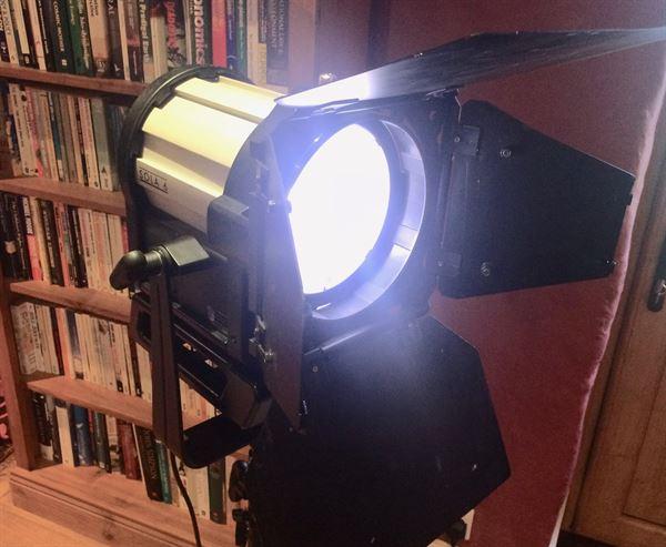 Litepanels Sola 6 LED Fresnel in Pelicase