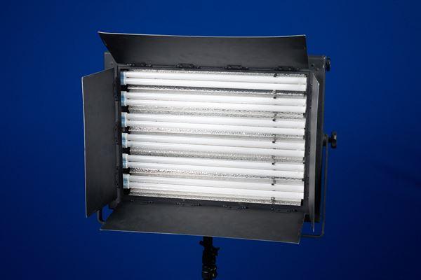 Flo light 6 bar with Kino flo tubes