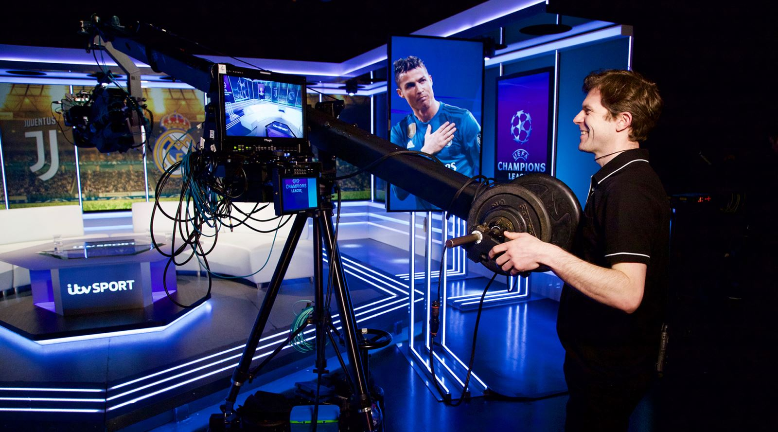 Camera supervisor Dominic Roberts, who recently rejoined the GTC, jib operating on ITV Sport's Championship League Show