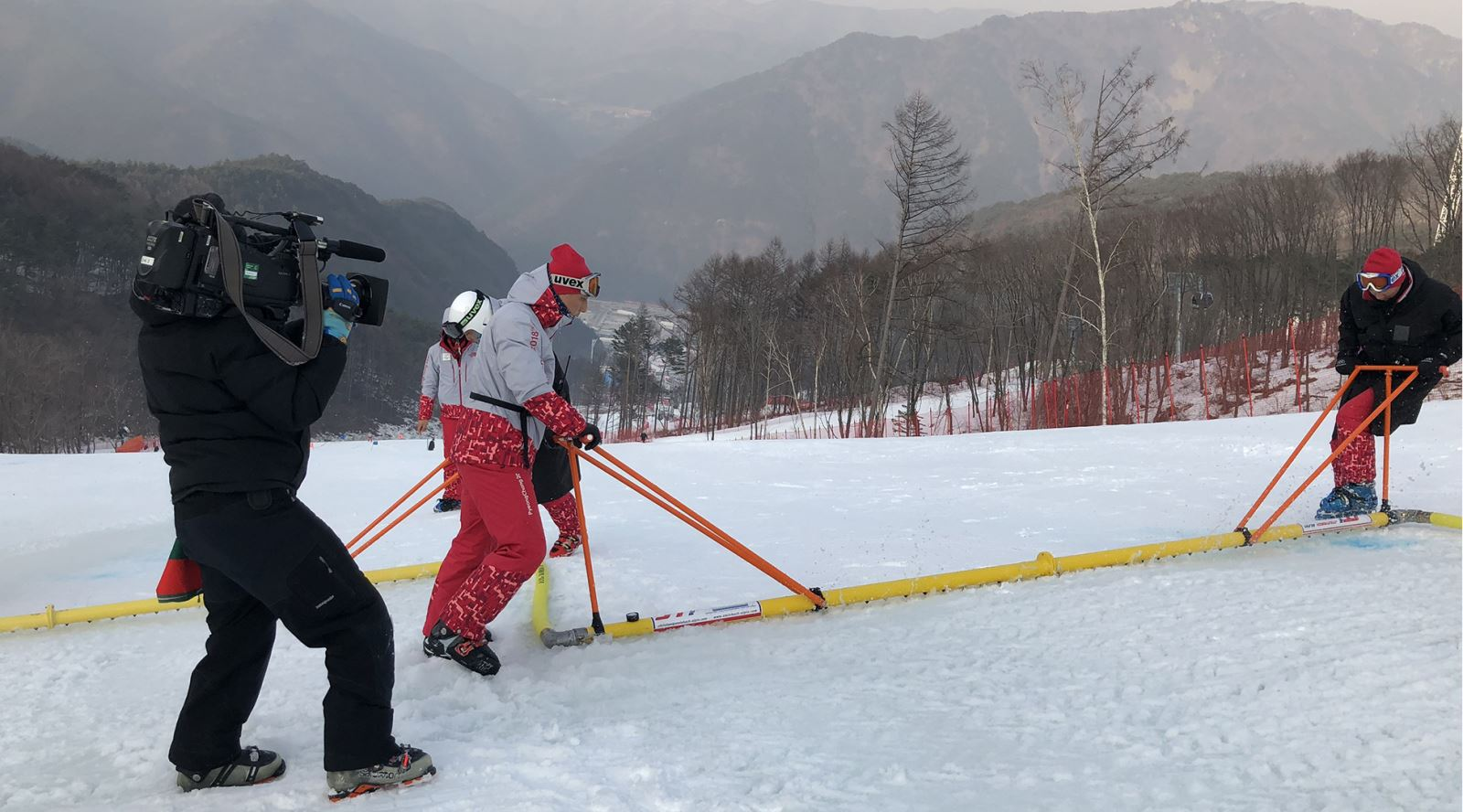 Filming the injection process on the Men's Super G course
