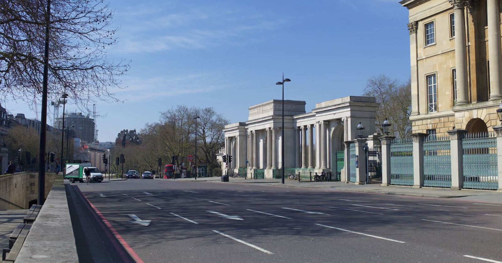 A nearly deserted Hyde Park Corner (taken by John Tarby en route to an essential medical appointment)
